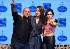 Sonakshi Sinha makes small screen debut, launches 'Indian Idol Junior' (see pics)