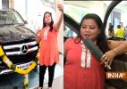 Comedian Bharti buys black Mercedes Benz!