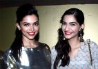 Sonam Kapoor gives a cold shoulder to Deepika Padukone at an award function