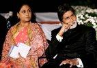 Amitabh back in Kolkata with wife Jaya