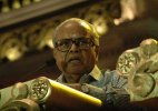Tamil film fraternity urges government for K. Balachander statue
