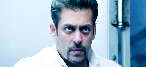 Kick makes Salman Khan cry (see pics)