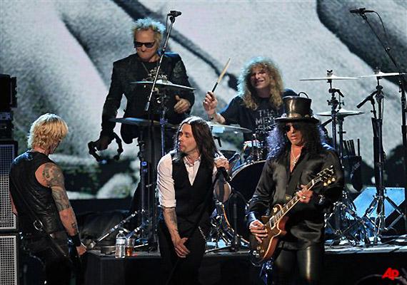 Guns N Roses Jams Way Into Rock Hall, Axl Rose Miss It