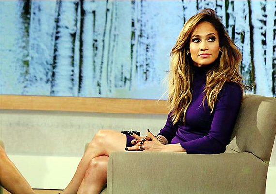 JLo turns cougar for 'The Boy Next Door'