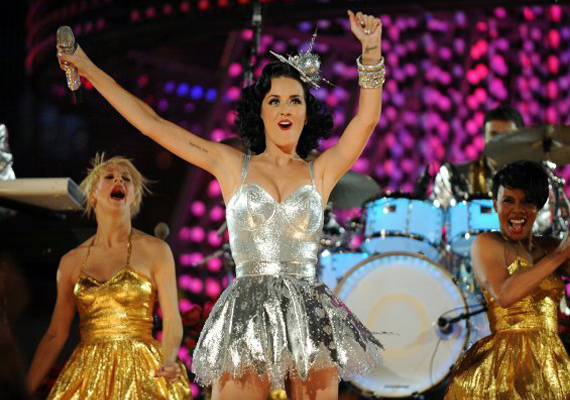 Katy Perry Says She's Not Bashing Russell Brand In New Single