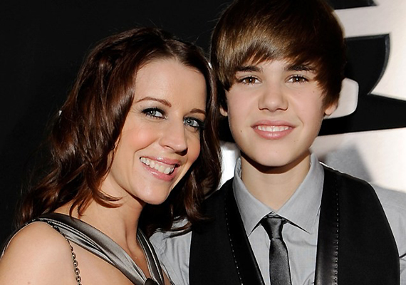 Memoir To Get Publish By Justin Bieber's Mother