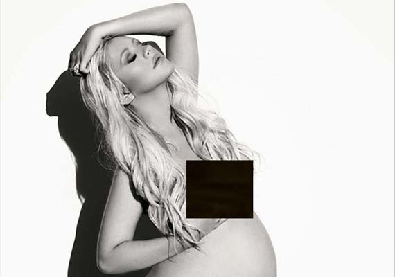 Christina aguilera naked pregnant does not