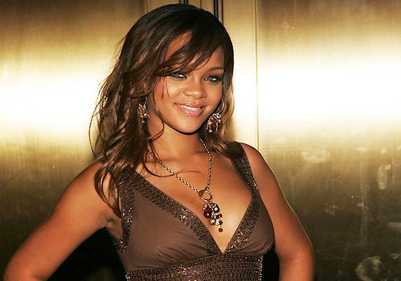 Rihanna Announces Fall Release For Her New Album