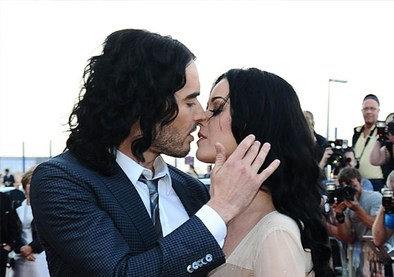 Russell Brand makes fun of his sex-life with ex-wife Katy Perry