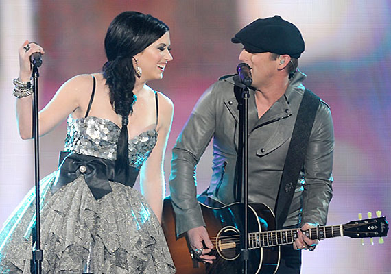 Thompson Square New Single 'Glass' Gets Sensation By Woman