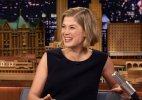 Rosamund Pike in talks for 'The Deep Blue Good-by'