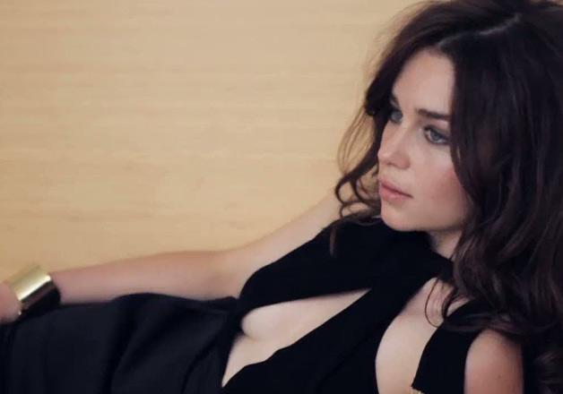 10 Hot Pictures Of Emilia Clarke Indiatv News