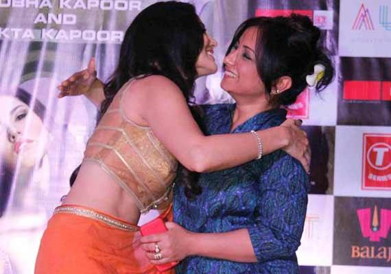 Did Sunny Leone mistake Divya Dutta as 'bisexual' (view pics)