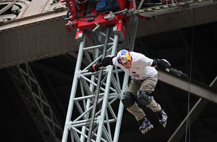 Frenchman Jumps Off Eiffel Tower In Skates