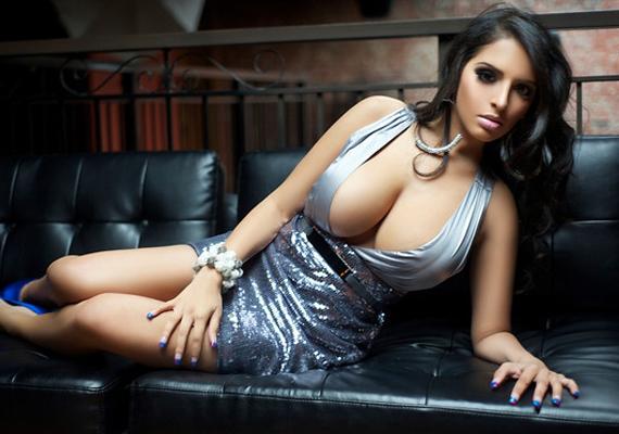 Sensuous Pak beauty Tahmina Afzal  to sizzle in Playboy