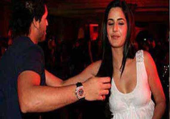 Katrina-Siddharth's shocking pic leaked (view pics)