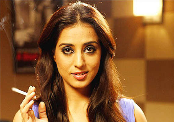 Mahie Gill Turns Mona Darling In Zanjeer Remake