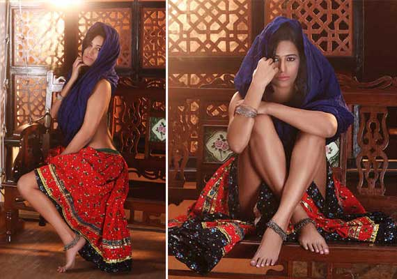 Poonam Pandey dons Sari for her next  flick (view pics)