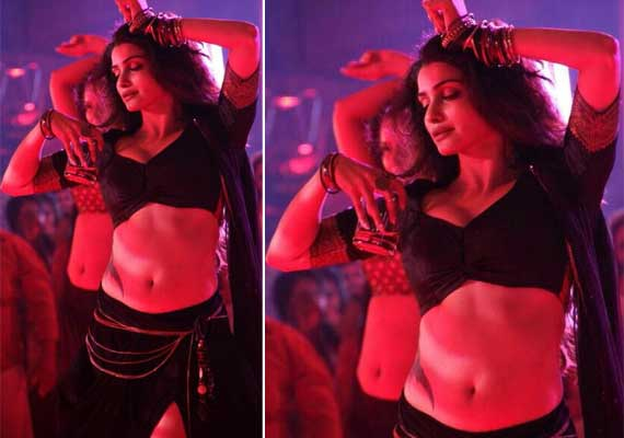 Prachi Desai looks seductive as bar dancer in 'Ek Villain' (view pics)