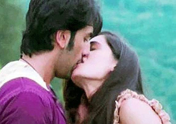 Ranbir's Steamy Kiss With Nargis Goes Viral On The Net