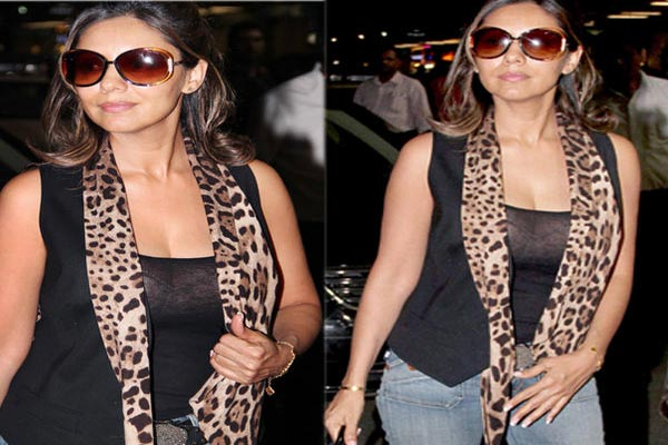 Shahrukh's wife Gauri Khan  wears a transparent top