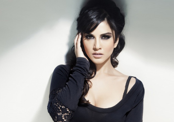 Sunny Leone's First Look In Jism 2 Revealed