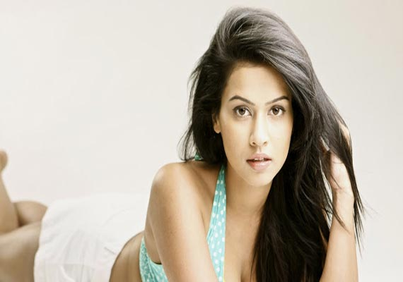 What's south beauty Sharmila Mandre learning from Allari Naresh?