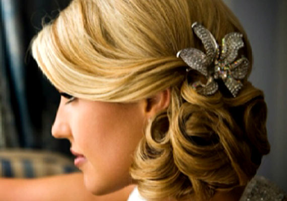 Wedding Hairstyle: Try Romantic Side Bun This Time (view