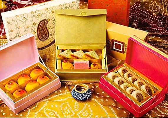 Wedding Gift Ideas India: 5 Unique Gifts That You Can Tag Along With Wedding