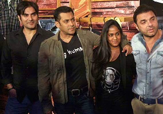 Arpita Khan wedding: Brothers Salman, Arbaaz and Sohail to don Raghavendra Rathore's creations