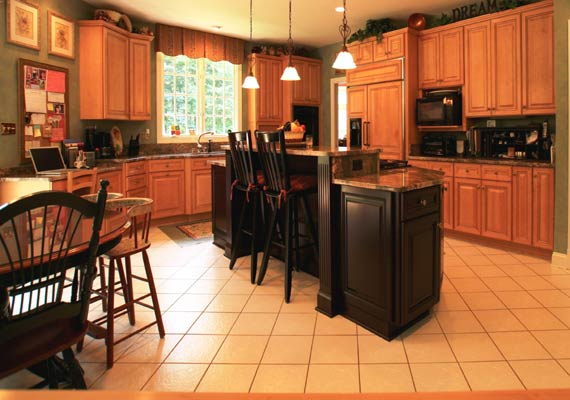 Pocket friendly ways to decorate kitchen view pics page 3 for Beauty queen kitchen cabinets