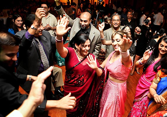 10 Hot Dance Moves For Your Sangeet Night See Pics