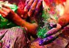 Nail it on Holi: Six easy tips to protect your nails from colours!