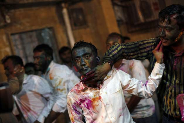 Hindus celebrating Holi in Pakistan