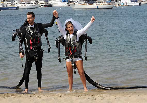 Californian couple marry in air wearing jetpacks