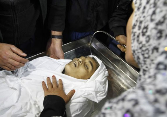 Egypt says raids would end; death toll in Gaza 122