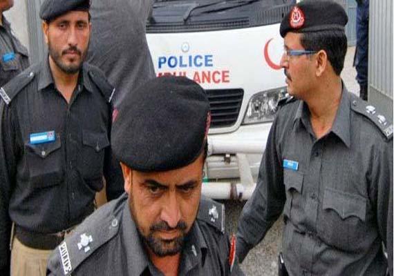 Five killed, 80 injured in Pakistan blast
