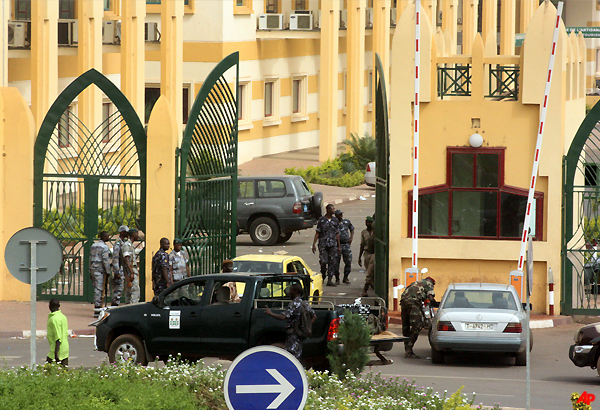 Mali Junta Shuts Borders After Coup, President Safe