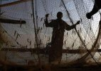 Pakistan arrests 70 Indian fishermen