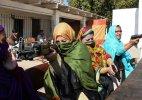 Teacher in Pakistan to carry guns in classroom