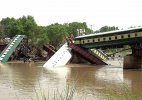 Pakistan army officers among 17 dead in rail mishap,sabotage feared