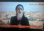 Injured by a grenade, this journalist reported live wearing bandages (Watch video)