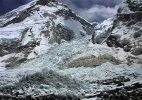 #NepalDevastated: 8 dead as quake-triggered avalanche sweeps Mount Everest