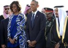 Michelle Obama, without headscarf, stokes controversy in Saudi Arabia