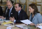 Francois Hollande activists gear up for critical climate talks