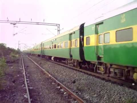 travel indian railway trains delhi jalpaiguri super fast express