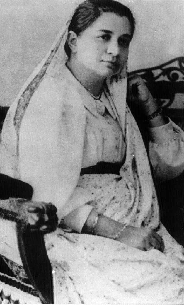 Top 10 women freedom fighters of india for Cama wikipedia