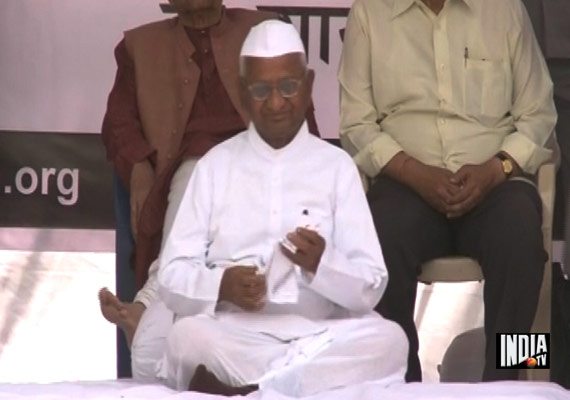 Anna Concludes Fast, Attacks Govt Over Jan Lokpal Bill