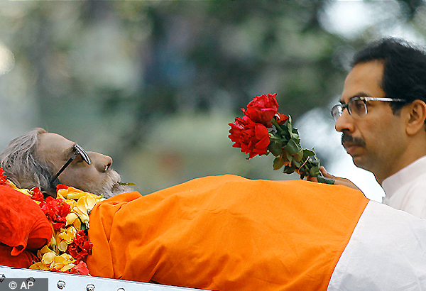Bal Thackeray cremated with state honours amidst sea of mourners