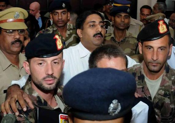 Both Italian marines return to Delhi